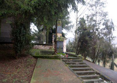 Lucfalva világháborús emlékmű 2011.02.19. küldő-kalyhas (6)