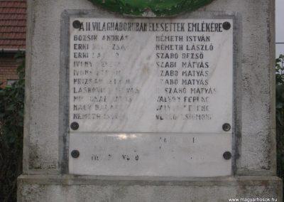 Ludas világháborús emlékmű 2007.10.12. küldő-kalyhas (3)