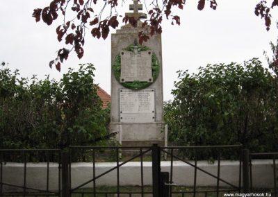 Ludas világháborús emlékmű 2007.10.12. küldő-kalyhas