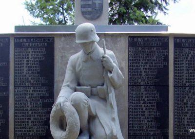 Mád világháborús emlékmű 2009.07.09. küldő-megtorló (5)
