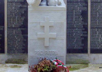 Mád világháborús emlékmű 2009.07.09. küldő-megtorló (6)