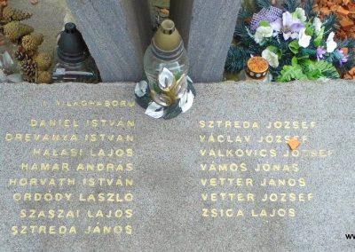 Málas világháborús emlékmű 2014.09.17. küldő-Méri (2)