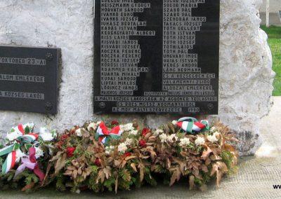 Mályi II.vh emlékmű 2008.04.11. külő-Kályhás (2)