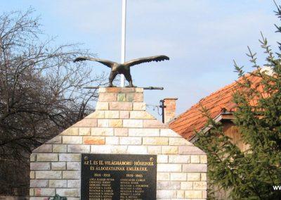 Mályinka világháborús emlékmű 2008.02.18. küldő-Kályhás (1)