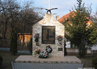 Mályinka világháborús emlékmű 2008.02.18. küldő-Kályhás (3)