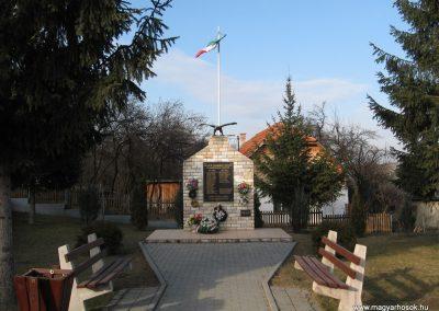 Mályinka világháborús emlékmű 2008.02.18. küldő-Kályhás