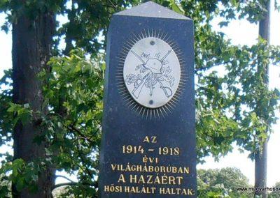 Mánfa világháborús emlékmű 2012.05.17. küldő-Bagoly András (2)