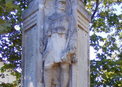 Mány, I. és II. világháborús emlékmű.