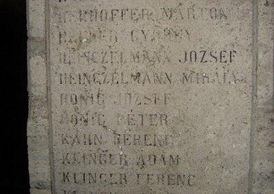 Máriahalom I.vh emlékmű 2008.12.29.küldő-Huszár Peti (3)