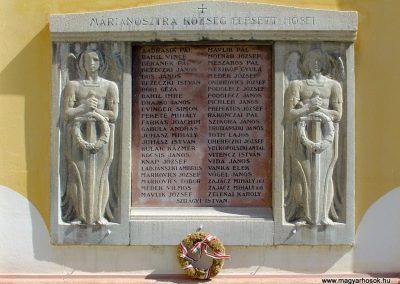 Márianosztra I.vh emlékmű a Pálos templom falán 2006.09.10. küldő-Pfaff László, Rétság
