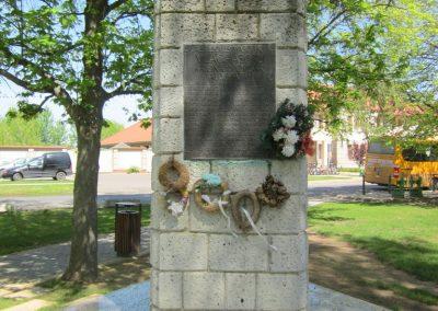 Máriapócs világháborús emlékmű 2012.04.27. küldő-kalyhas (2)