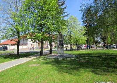 Máriapócs világháborús emlékmű 2012.04.27. küldő-kalyhas