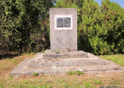 Márkó világháborús emlékmű 2013.08.16. küldő-kalyhas (1)