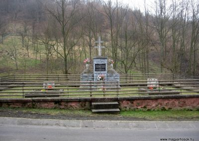 Márkháza világháborús emlékmű 2011.02.19. küldő-kalyhas