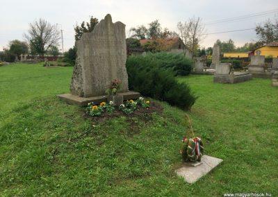 Mártély világháborús emlékmű 2014.10.21. küldő-Sümec (8)
