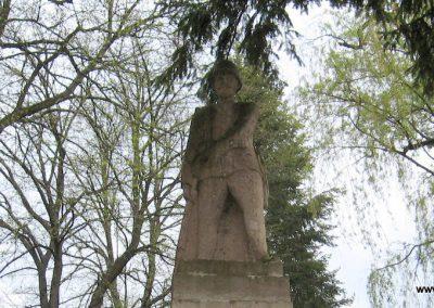 Mátraballa világháborús emlékmű 2008.04.22. küldő-kalyhas (1)