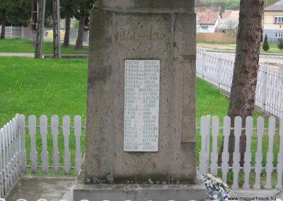 Mátraballa világháborús emlékmű 2008.04.22. küldő-kalyhas (4)
