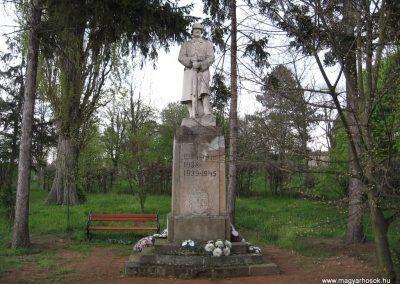 Mátraderecske világháborús emlékmű 2008.04.22. küldő-kalyhas