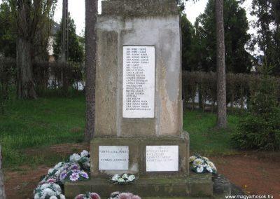 Mátraderecske világháborús emlékmű 2008.04.22.küldő-Kályhás (2)