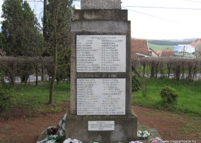 Mátraderecske világháborús emlékmű 2008.04.22.küldő-Kályhás (3)