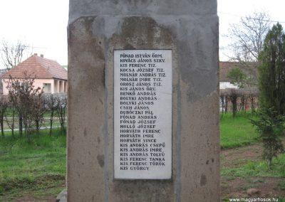 Mátraderecske világháborús emlékmű 2008.04.22.küldő-Kályhás (5)