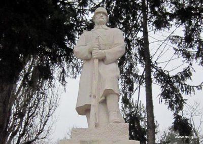 Mátraderecske világháborús emlékmű felújítás után 2014.12.09. küldő-kalyhas (14)