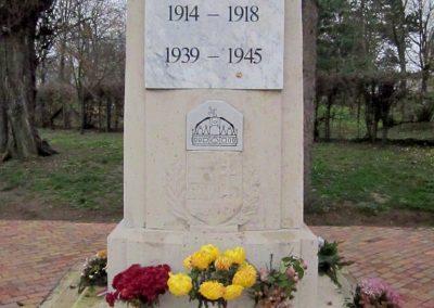 Mátraderecske világháborús emlékmű felújítás után 2014.12.09. küldő-kalyhas (15)