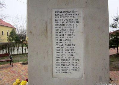 Mátraderecske világháborús emlékmű felújítás után 2014.12.09. küldő-kalyhas (17)