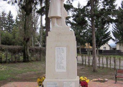 Mátraderecske világháborús emlékmű felújítás után 2014.12.09. küldő-kalyhas (18)