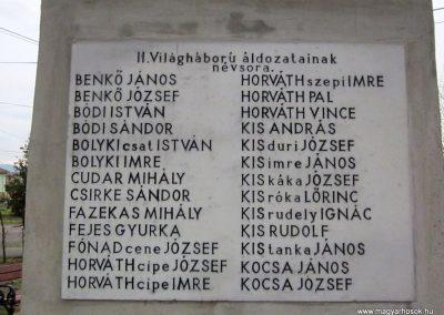 Mátraderecske világháborús emlékmű felújítás után 2014.12.09. küldő-kalyhas (22)