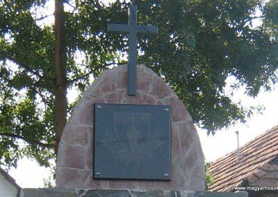 Mátraszőlős hősi emlékmű 2011.08.26. küldő-Mónika 39 (1)