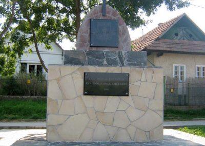 Mátraszőlős hősi emlékmű 2011.08.26. küldő-Mónika 39