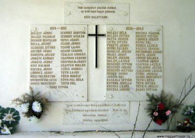 Mátraszőlős világháborús emlékmű 2009.05.08.küldő-Mónika39 (1)