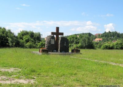 Mátraszentimre II.vh emlékmű 2010.06.28. küldő-kalyhas