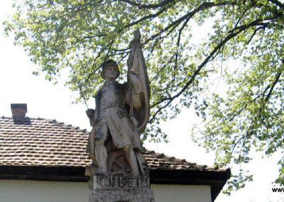 Mátraterenye I.vh emlékmű 2009.04.26. küldő-kalyhas (1)