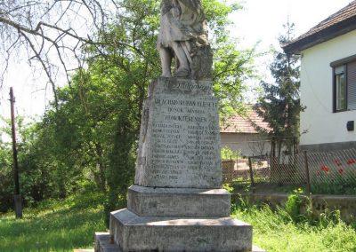 Mátraterenye I.vh emlékmű 2009.04.26. küldő-kalyhas (3)