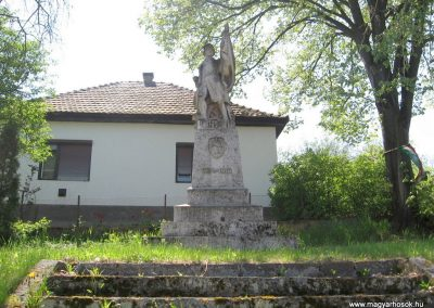 Mátraterenye I.vh emlékmű 2009.04.26. küldő-kalyhas