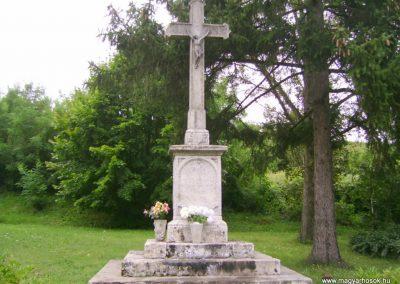 Mátraverebély világháborús emlékmű 2009.08.15. küldő-Kovács Nikolett (2)