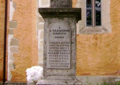 Mátraverebély világháborús emlékmű 2009.08.15. küldő-Kovács Nikolett (4)