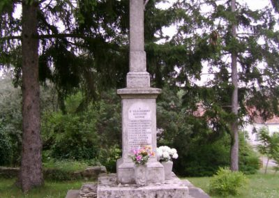 Mátraverebély világháborús emlékmű 2009.08.15. küldő-Kovács Nikolett (5)