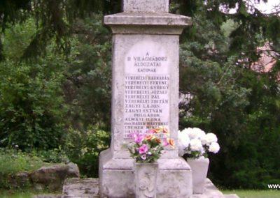 Mátraverebély világháborús emlékmű 2009.08.15. küldő-Kovács Nikolett (6)