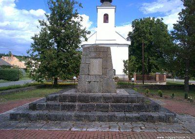 Méhészudvarnok II. világháborús emlékmű 2012.07.12. küldő-Pataki Tamás (4)