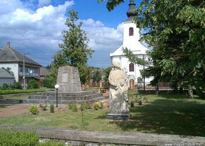 Méhészudvarnok II. világháborús emlékmű 2012.07.12. küldő-Pataki Tamás