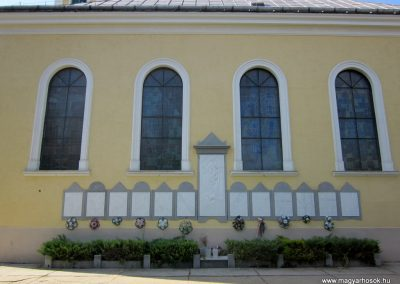 Mélykút II.vh emlékmű 2011.08.17. küldő-kalyhas (1)