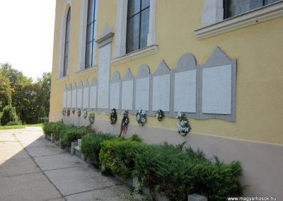 Mélykút II.vh emlékmű 2011.08.17. küldő-kalyhas (10)