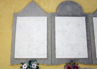 Mélykút II.vh emlékmű 2011.08.17. küldő-kalyhas (3)