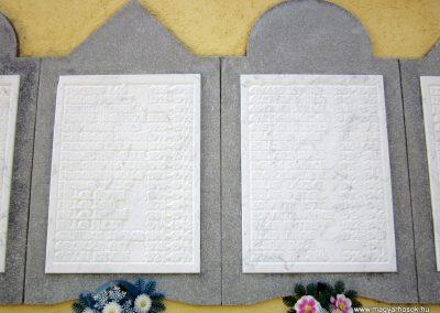 Mélykút II.vh emlékmű 2011.08.17. küldő-kalyhas (4)