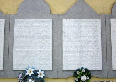 Mélykút II.vh emlékmű 2011.08.17. küldő-kalyhas (8)