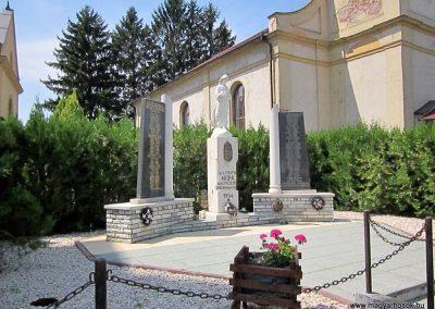 Mérk II. világháborús emlékmű 2014.08.04. küldő-kalyhas (10)