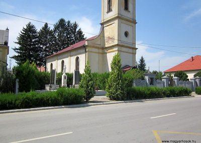 Mérk II. világháborús emlékmű 2014.08.04. küldő-kalyhas (11)